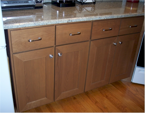 The Drawer Fronts In This Picture Are An Example Of Slab With A Square Outside Edge There Diffe Edges To Choose From